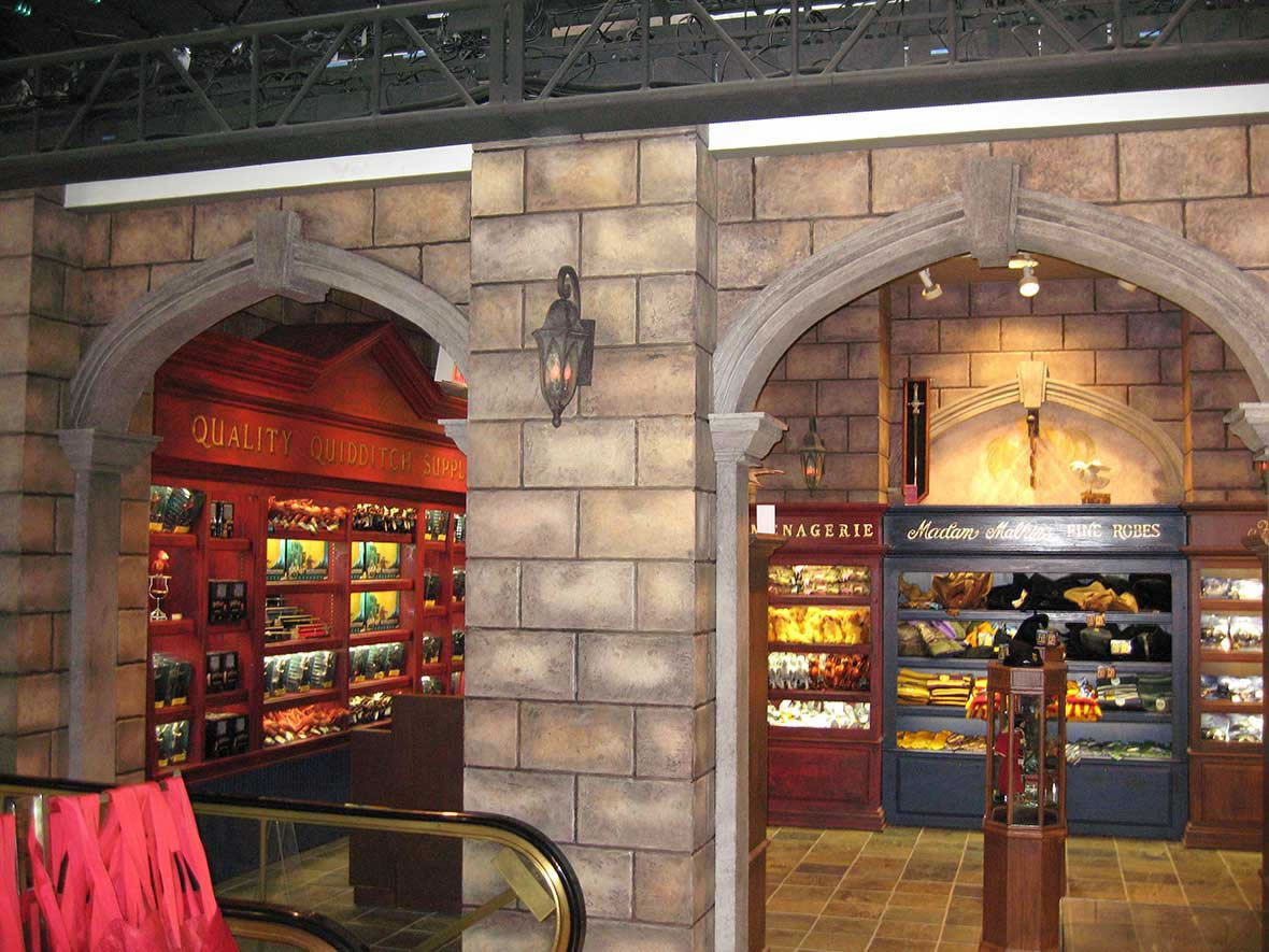 HARRY POTTER AT FAO SCHWARZ
